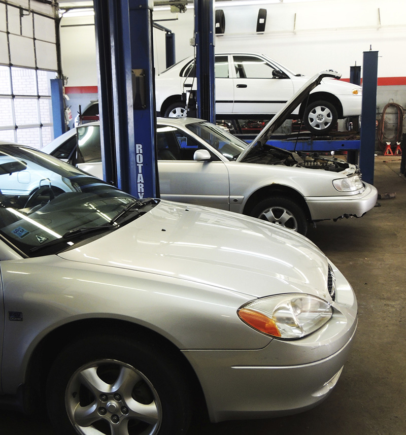 Oil Changes Jenison: Full-Service Oil Changes | Auto-Lab of Jenison - oil